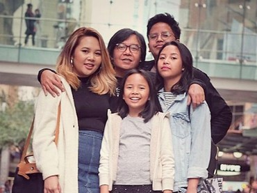 Menikah dengan Vitta Dessy pada 1999,Ari Lasso dikaruniai putra dan putri bernama Aura Rivanya Maharani, Audra Anandira Lasso, Abraham Bernard Lasso, Alessandra Lasso dan kehilangan anak kedua mereka Michael, pada 2002. (Foto: Instagram/@ari_lasso)