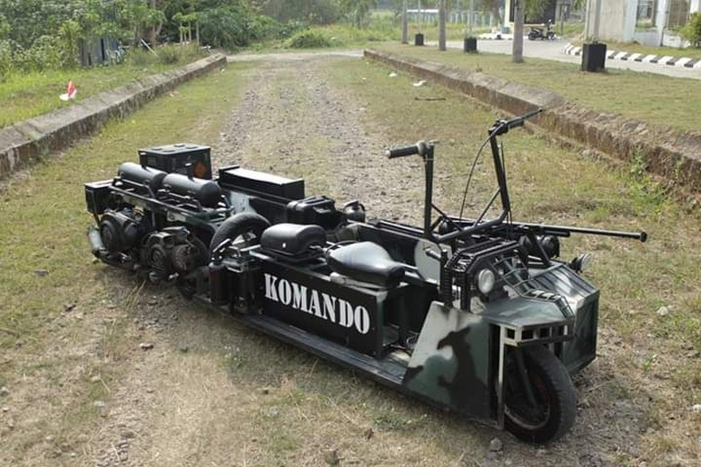 Motor Vespa Dirombak Jadi Kendaraan Militer. Foto: Dok. Bagas Roffiyanto