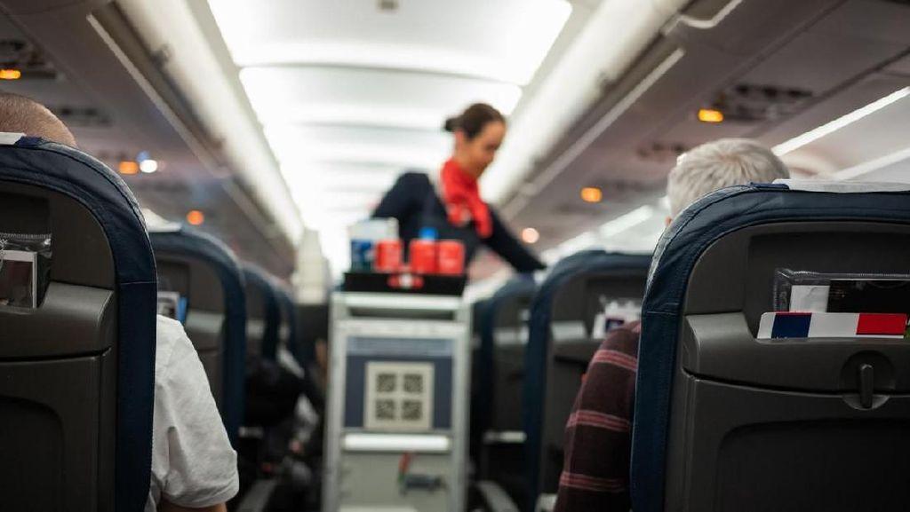 Ketumpahan Air Panas di Pesawat, Kamu Bisa Tuntut Maskapai
