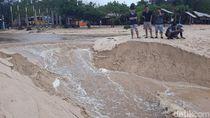 Pasir Pantai Sundak Gunungkidul Terbelah