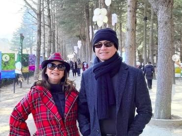 Baru-baru ini, Memes dan suami, Addie MS, beserta keluarganya berlibur di Korea Selatan nih, Bun. (Foto: Instagram/memes605)