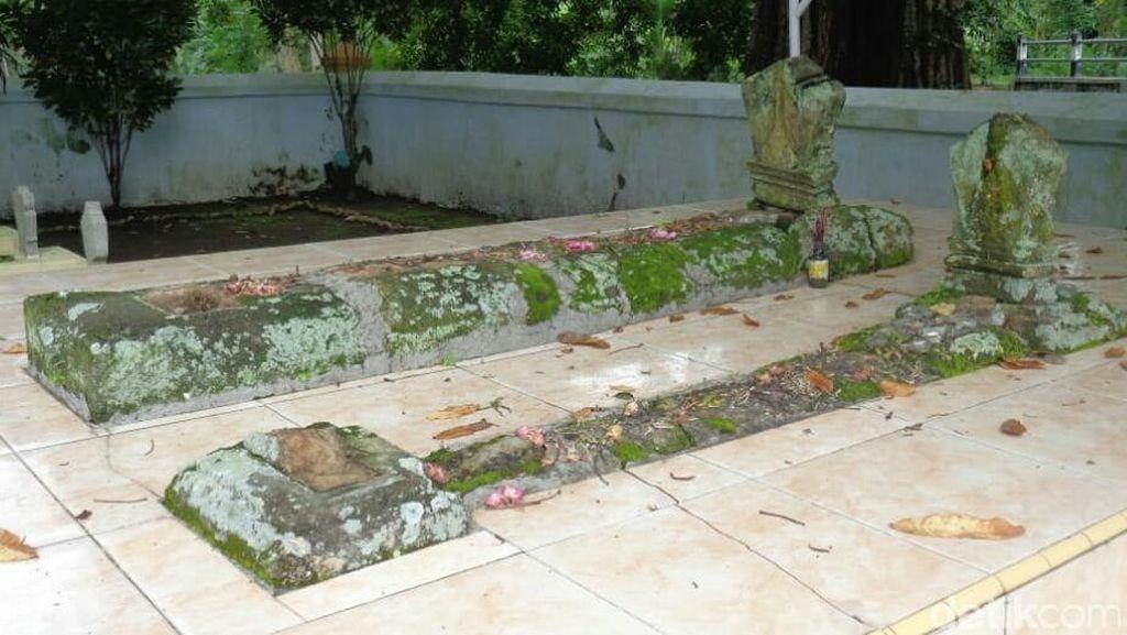 Satu Batu Nisan Makam Sesepuh Trenggalek Hilang Dicuri