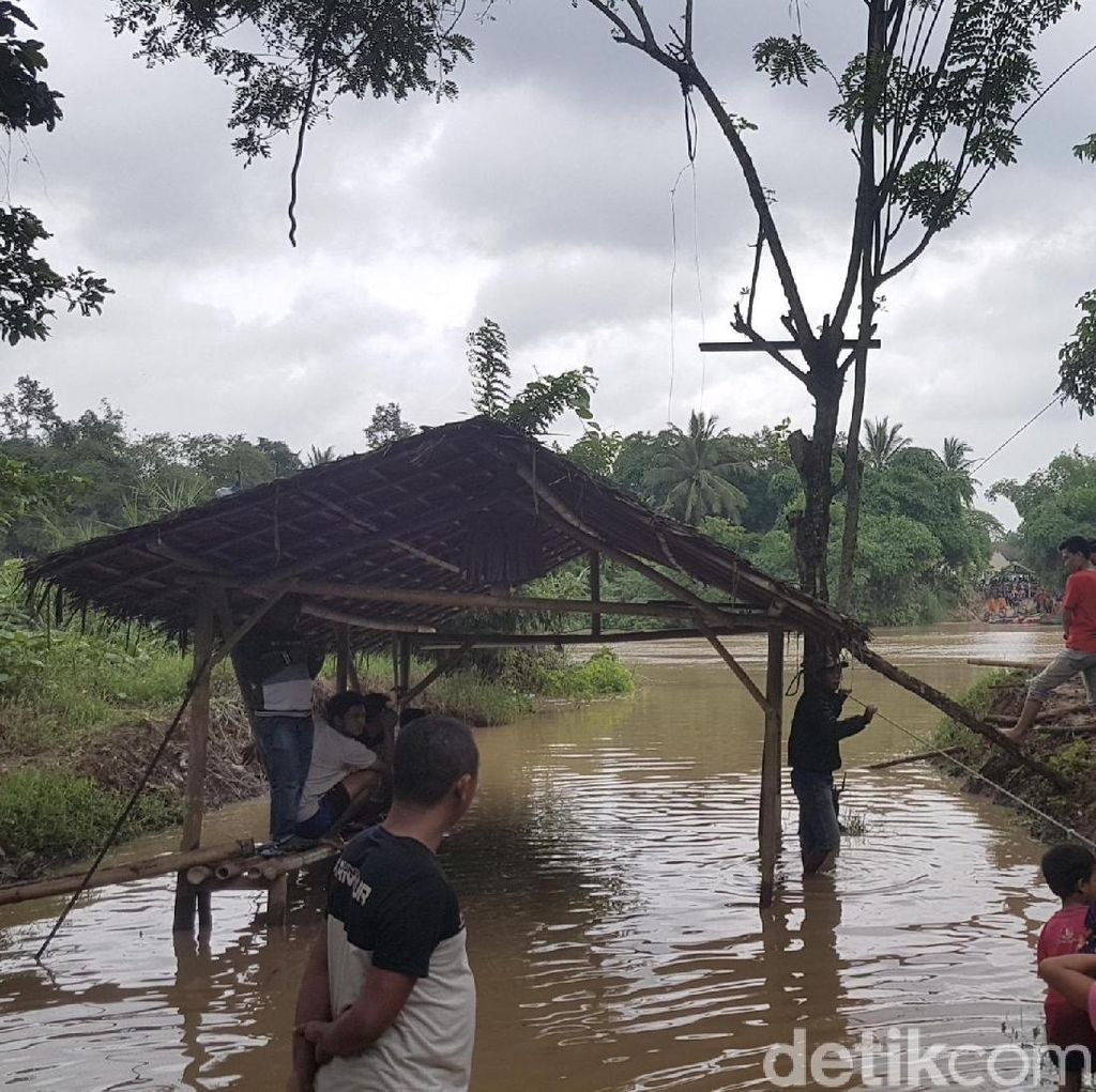 Perahu Eretan Hanyut di Serang, 2 Penumpang Hilang