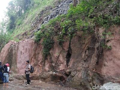 Foto: Lantai Samudra Purba di Kebumen