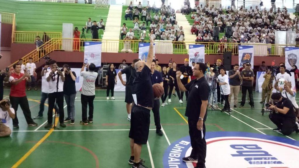 Gandeng NBA, Anies Buka Pelatihan Guru Basket di Ciracas