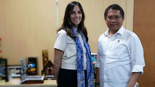 VP Public Policy and Communications WhatsApp Victoria Grand dan Menkominfo Rudiantara