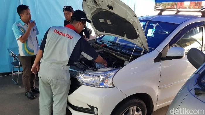 Servis mobil Daihatsu