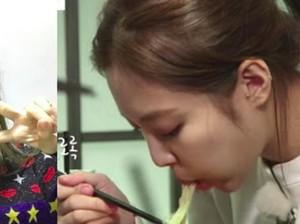 Ini Gaya Jennie Blackpink Saat Makan Sate Ayam Sebelum Syuting