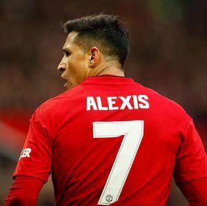 Setahun Sanchez di MU: Satu Gol per Tiga Bulan