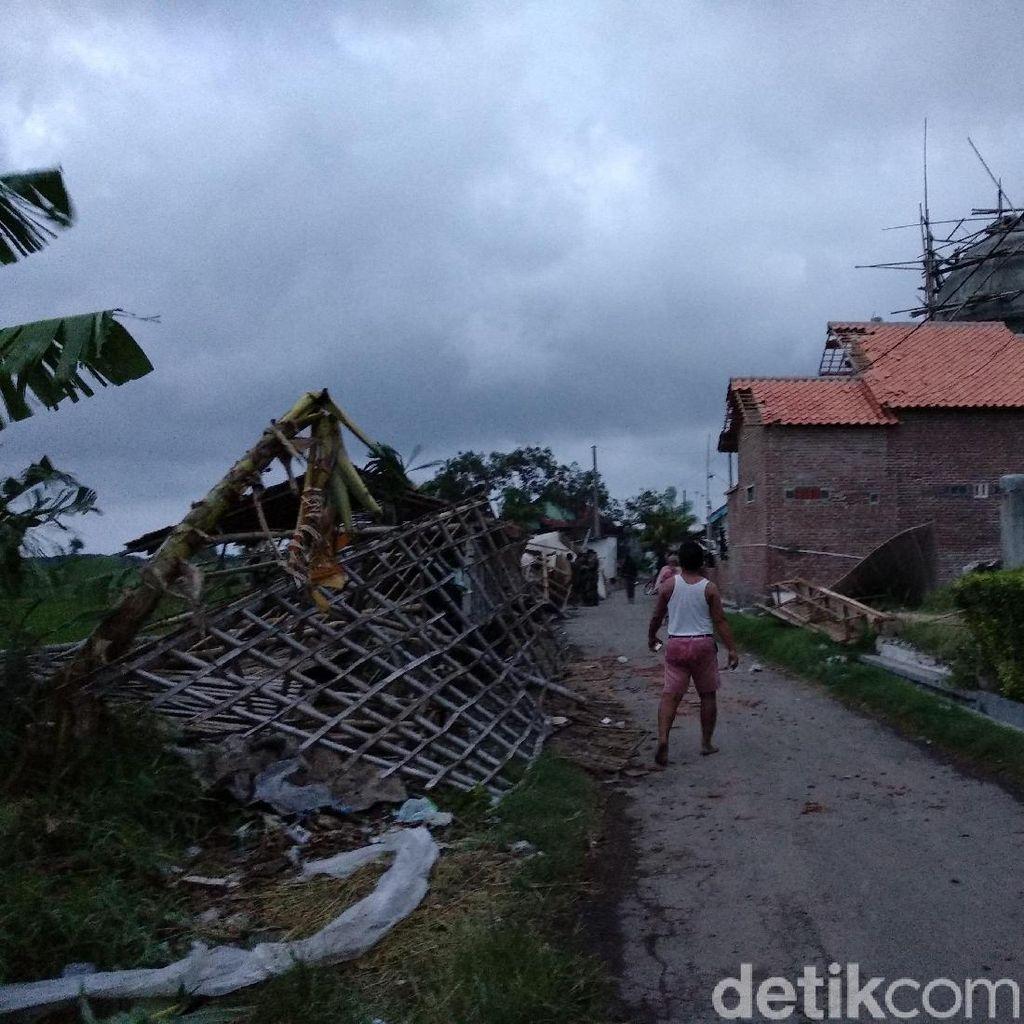 Detik-detik Puting Beliung Terjang 4 Desa di Probolinggo