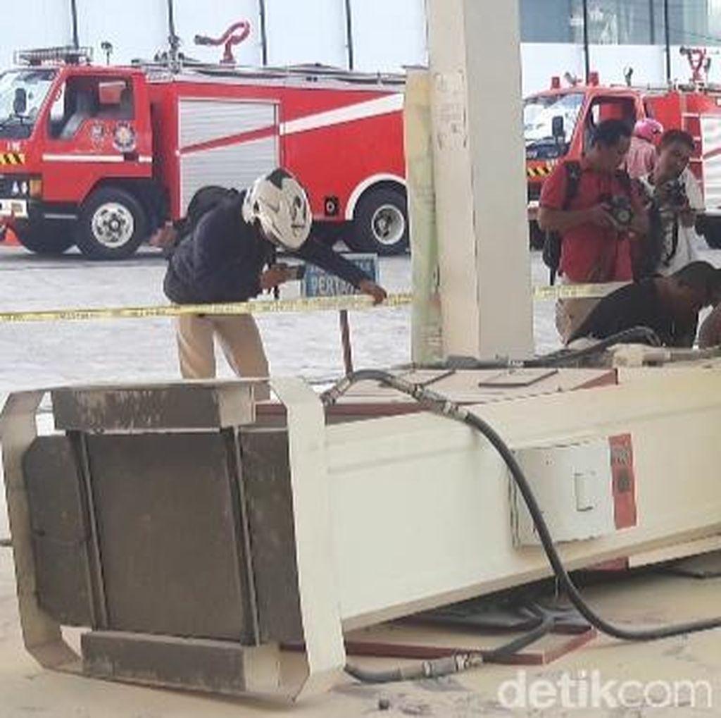 Mobil Tabrak Dispenser SPBU di Ambon, Warga Kocar-kacir