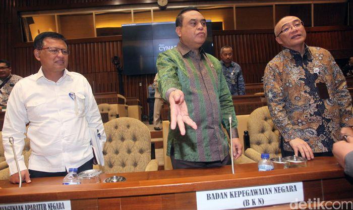 Menteri PAN-RB Syafruddin mengatakan rencananya lowongan CPNS akan kembali dibuka tahun ini, tepatnya pada Maret 2019.