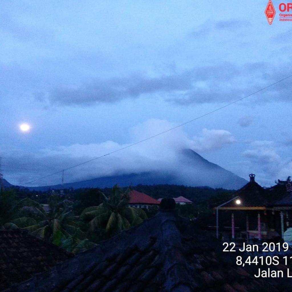 Gunung Agung Erupsi Lagi, Tinggi Kolom Abu 2 Ribu Meter