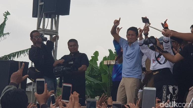 Kampanye di Bekasi, Sandiaga Tebar Janji Turunkan Harga BBM dan Listrik