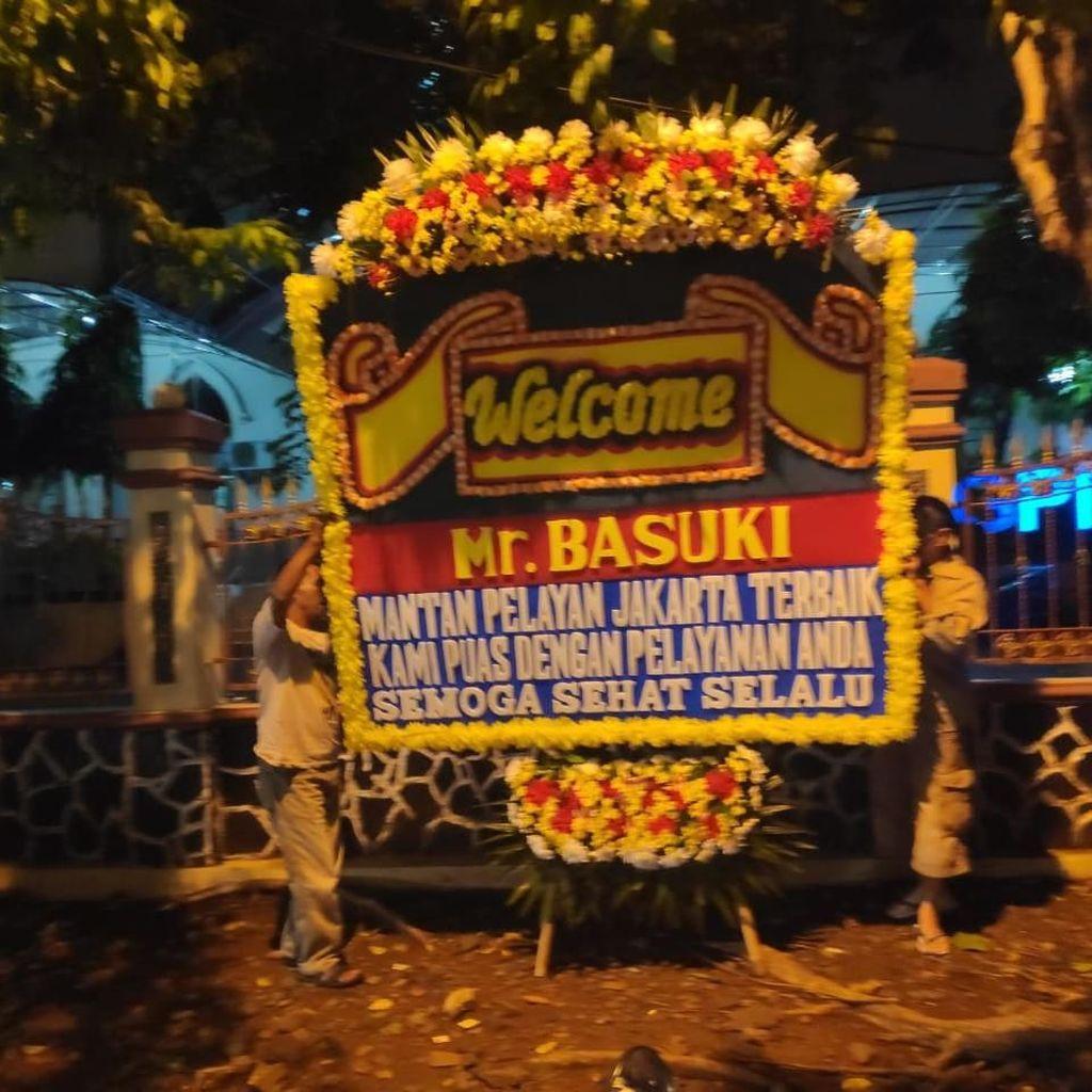 Karangan Bunga Welcome Mr Basuki Sambut Kebebasan Ahok di Mako Brimob