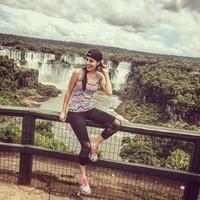 Kalau ini potret Ana di Air Terjun Iguacu, Brasil (anapaulacespedes/Instagram)
