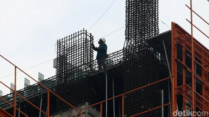 Sejak 20 Januari 2019, pemerintah akan mengendalikan pemakaian impor baja. Selama ini industri baja dalam negeri keluhkan gempuran baja dari luar negeri.