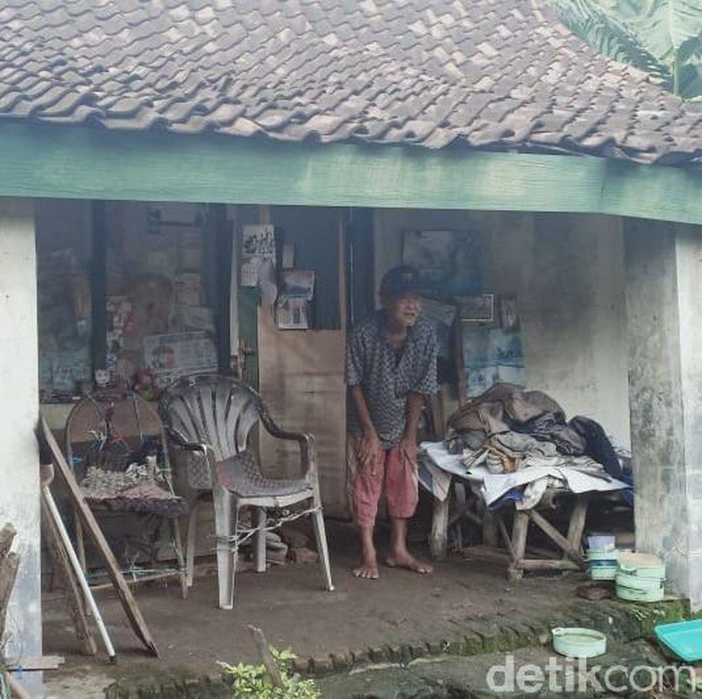 Cerita Sadikun, Tinggal di Rumah Reyot dan Tidur di Emper Saat Hujan