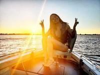 Berlayar naik yacht di Paraguay (anapaulacespedes/Instagram)