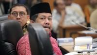 Mahfud: Jokowi Akan Beri Bintang Tanda Jasa ke Fadli Zon dan Fahri Hamzah