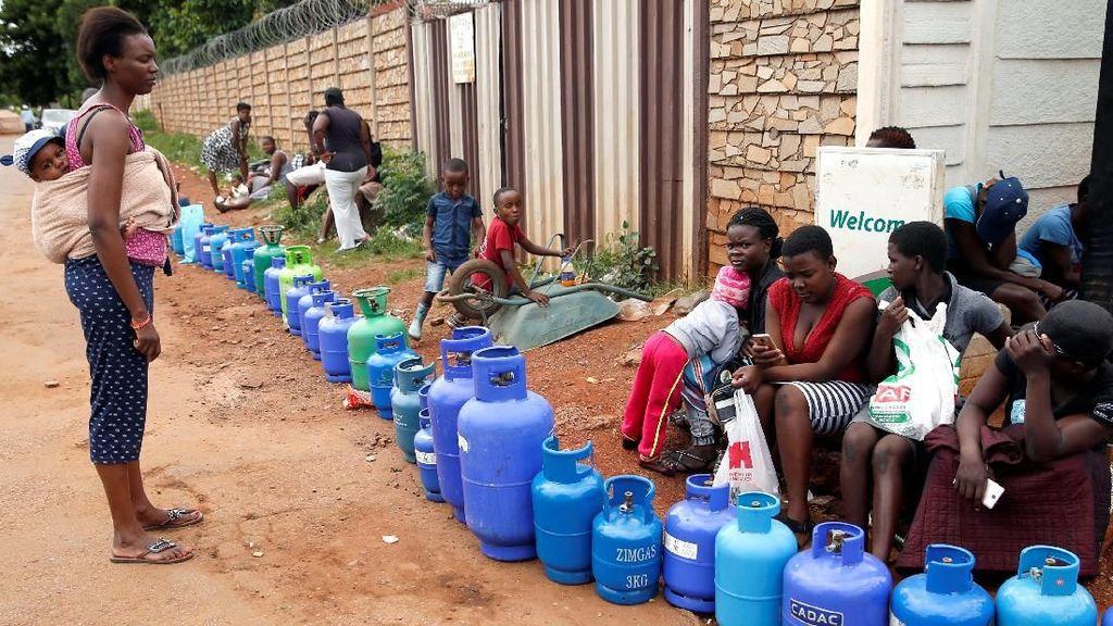 Nestapa Warga Zimbabwe, Harga BBM Tertinggi di Dunia Tapi Langka