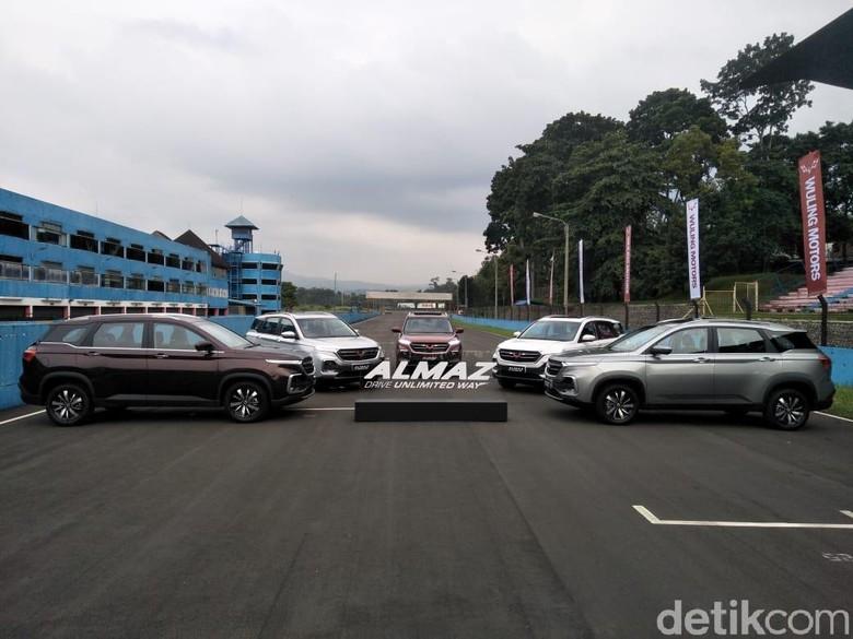 Mobil Kembar Tiga Chevy Captiva Wuling Almaz Baojun 530