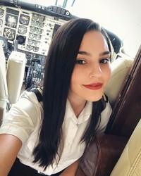 Ana Paula Cespedes berprofesi sebagai pilot (anapaulacespedes/Instagram)