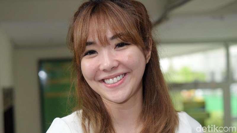 Senyum Gisel saat Dapatkan Hak Asuh Gempita Usai Resmi Cerai