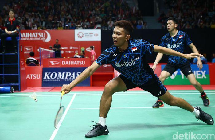 Fajar Alfian/Muhammad Rian Ardianto bertanding melawan Lee Jhe-Huei/Yang Po-Hsuan di babak pertama Indonesia Masters 2019 yang dihelat di Istora Senayan, Jakarta.
