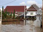 Banjir Sulsel, Kantor Bupati Maros Terendam Sepinggang Orang Dewasa