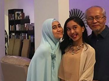 Tuh lihat, kompak banget kan keluarga yang satu ini?(Foto: Instagram/ @meidianahutomo)
