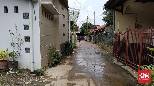 Sudut lain Jalan Haji Kenkemi, Rawa Bacang, Pondok Melati, Bekasi. Tidak ditemukan pula kantor redaksi tabloid Indonesia Barokah.