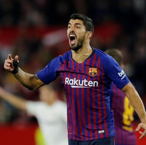 Tanpa Messi Barca Tumbang, Suarez Enggan Cari Alasan