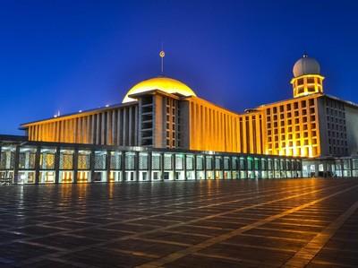 10 Masjid di Indonesia yang Indah dan Penuh Sejarah