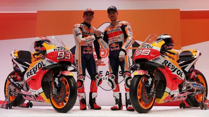 Jorge Lorenzo dan Marc Marquez disebut-sebut bakal membuat Repsol Honda menjadi tim impian di MotoGP. (Foto: Susana Vera/Reuters)