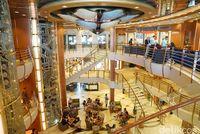 Plaza tempat bersantai dan berbelanja (Syanti/detikTravel)