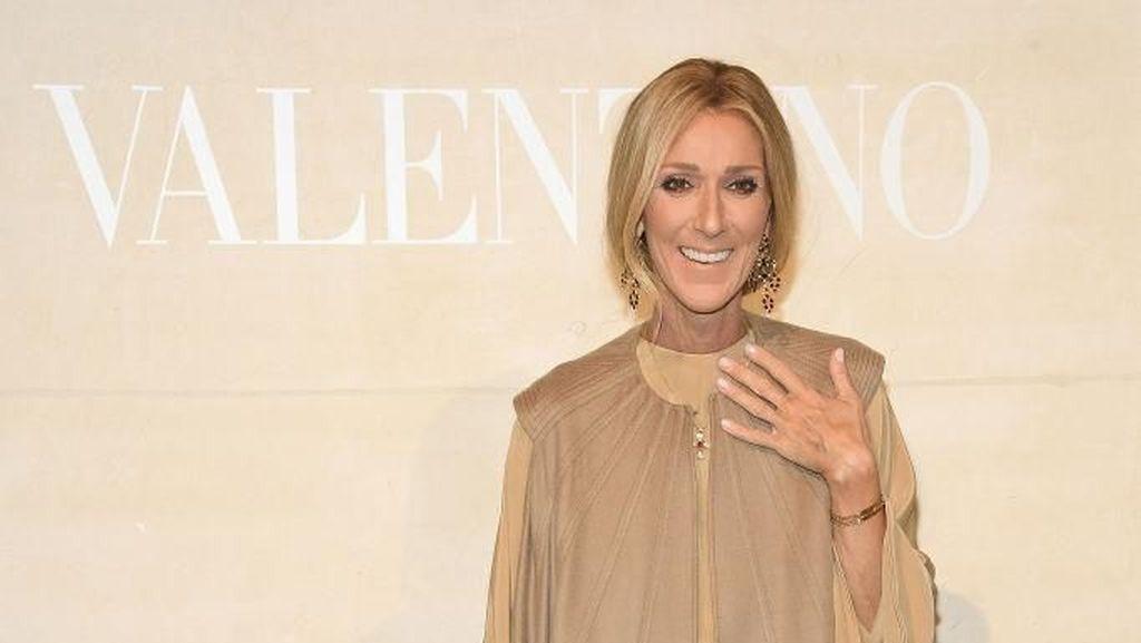 Tertegun Hingga Menangis, Reaksi Celine Dion di Fashion Show Jadi Viral