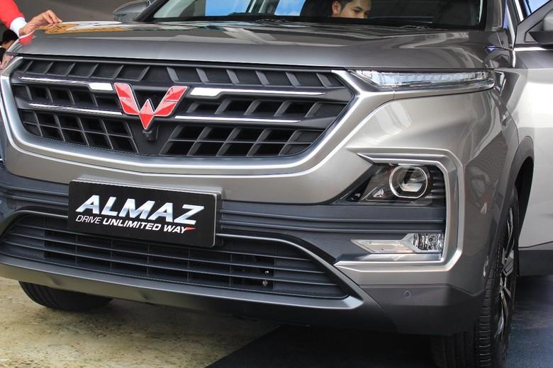 SUV terbaru Wuling, Almaz. Foto: Ruly Kurniawan
