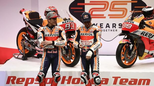 Duet Marc Marquez dan Jorge Lorenzo jadi duet paling dinanti di MotoGP 2019.