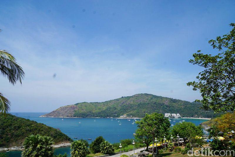 Seperti inilah pemandangan di Promthep Cape, landmark menikmati pemandangan di Phuket. (Syanti/detikTravel)