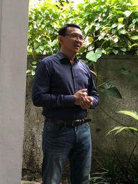 Gaya Nge-jeans Ahok Saat Resmi Bebas dari Mako Brimob, Mirip Anak Muda