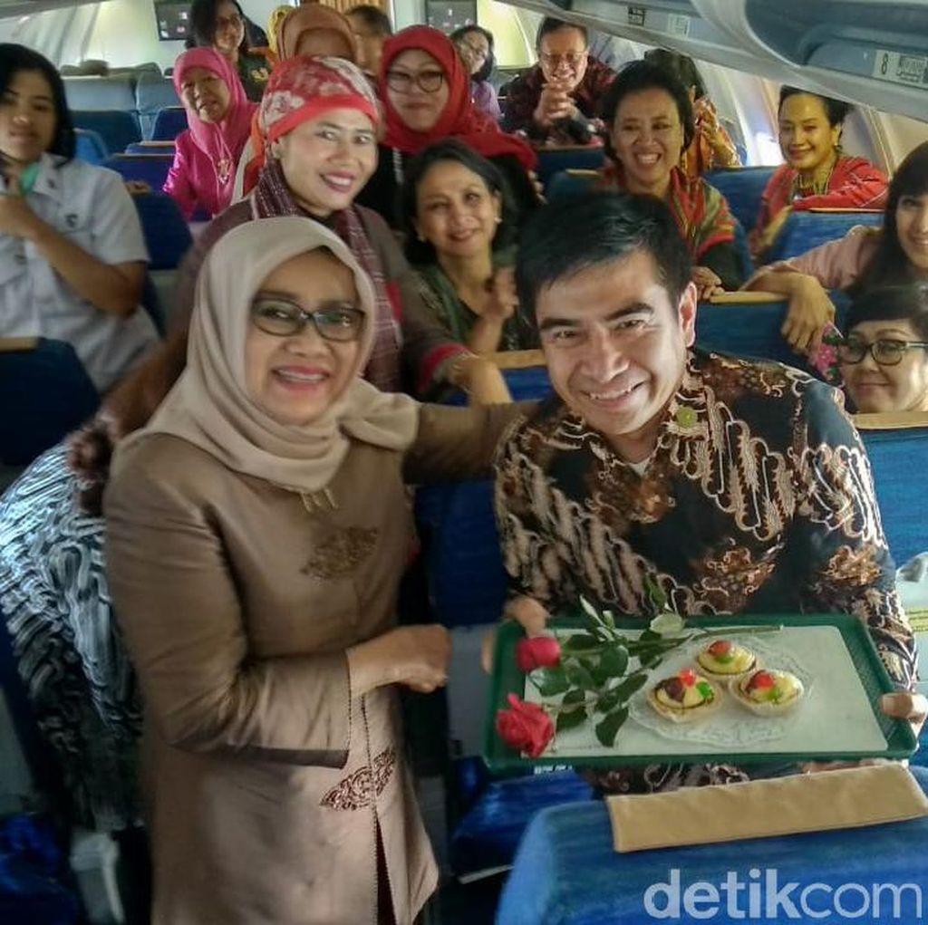 Mufidah Kalla Beri Kejutan Ultah Staf di Atas Pesawat Kepresidenan