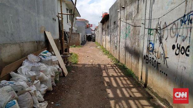 Salah satu sudut Jalan Haji Kenkemi, Rawa Bacang, Pondok Melati, Bekasi. Tidak ada kantor redaksi tabloid Indonesia Barokah di lokasi ini.