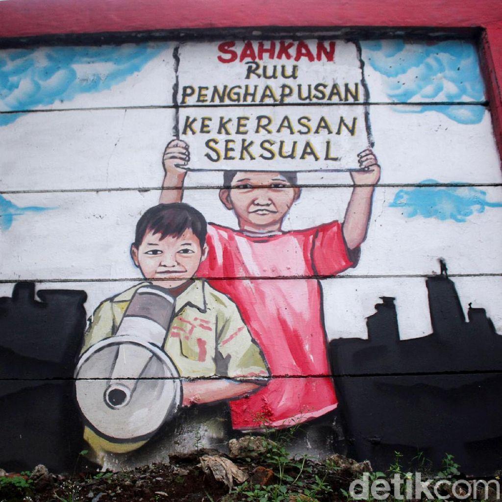 Keren! Mural Stop Kekerasan Anak Mejeng di Jalanan Bekasi