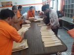 Baru Tiba di Sleman, Ribuan Tabloid Indonesia Barokah Ditahan Kantor Pos