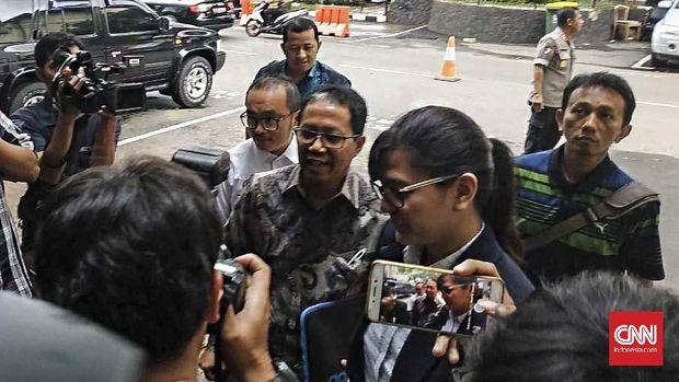 Ketua Umum PSSI Joko Driyono usai memenuhi panggilan Satgas Anti Mafia Bola. (