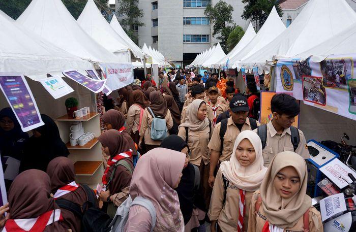 Nggak tanggung-tanggung, acara penandatanganan MoU kerjasama antara Gojek, Go-Pay itu digelar dengan 50 SMK se-Jakarta Utara. Foto: dok. Gojek