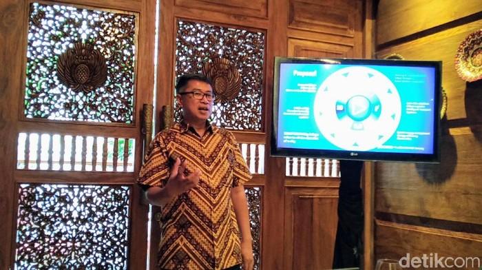 Adi Aviantoro, Country Head Indonesia, PT. Dassault Systemes Indonesia, saat memaparkan daerah-daerah yang berpotensi jadi smart city dalam hal mitigasi bencana. Foto: Muhamad Imron Rosyadi/detikINET