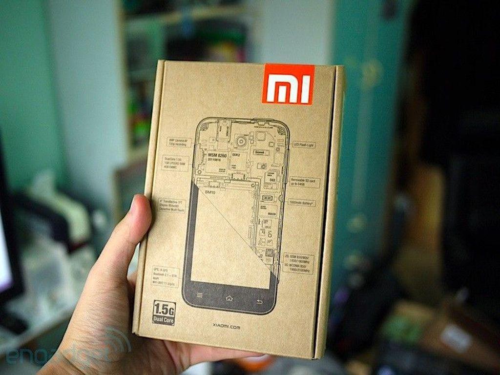 Xiaomi didirikan oleh Lei Jun dan kawan-kawan pada April 2010. Ponsel pertamanya adalah Xiaomi Mi1 ini yang meluncur pada Agustus 2011. Inilah kemasannya. Foto: Engadget