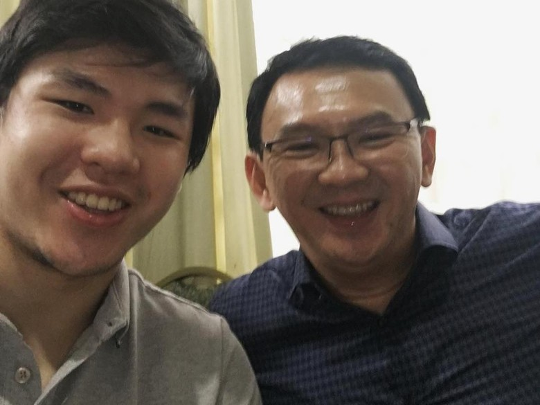 Anak Sulung Selfie Bareng Ahok: Hes Back, My Dads A Free Man!